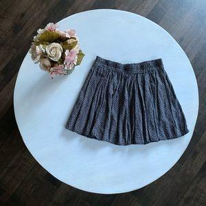 Brandy Melville daisy skater style skirt